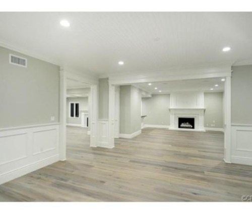 Judd-Apatows-home-dining-rm-701339-573x430