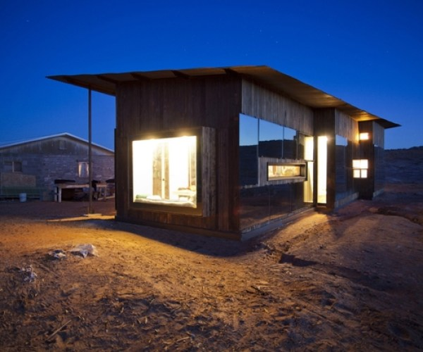 nakai-house-utah-features-wall-shelves-bedroom-niche-2-courtyard-thumb-630x420-24881