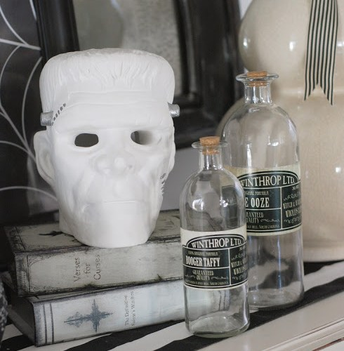 Black and White Halloween Decorating
