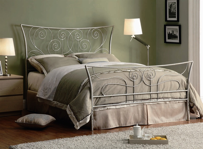 Queen Bed In Silver Metal Finish By Coaster