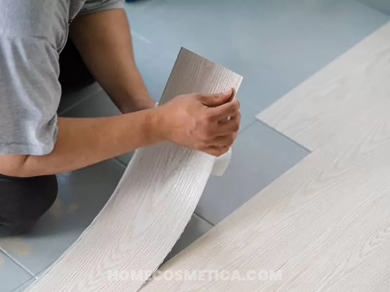 Vinyl tile for flooring