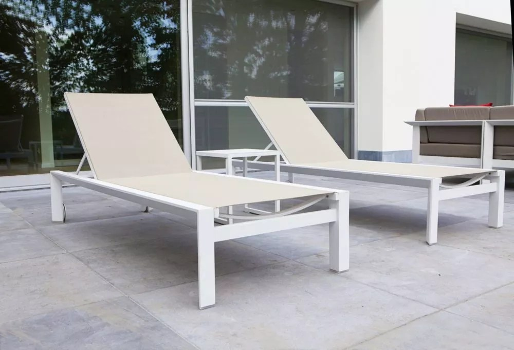 isidor outdoor chaise lounger white cream