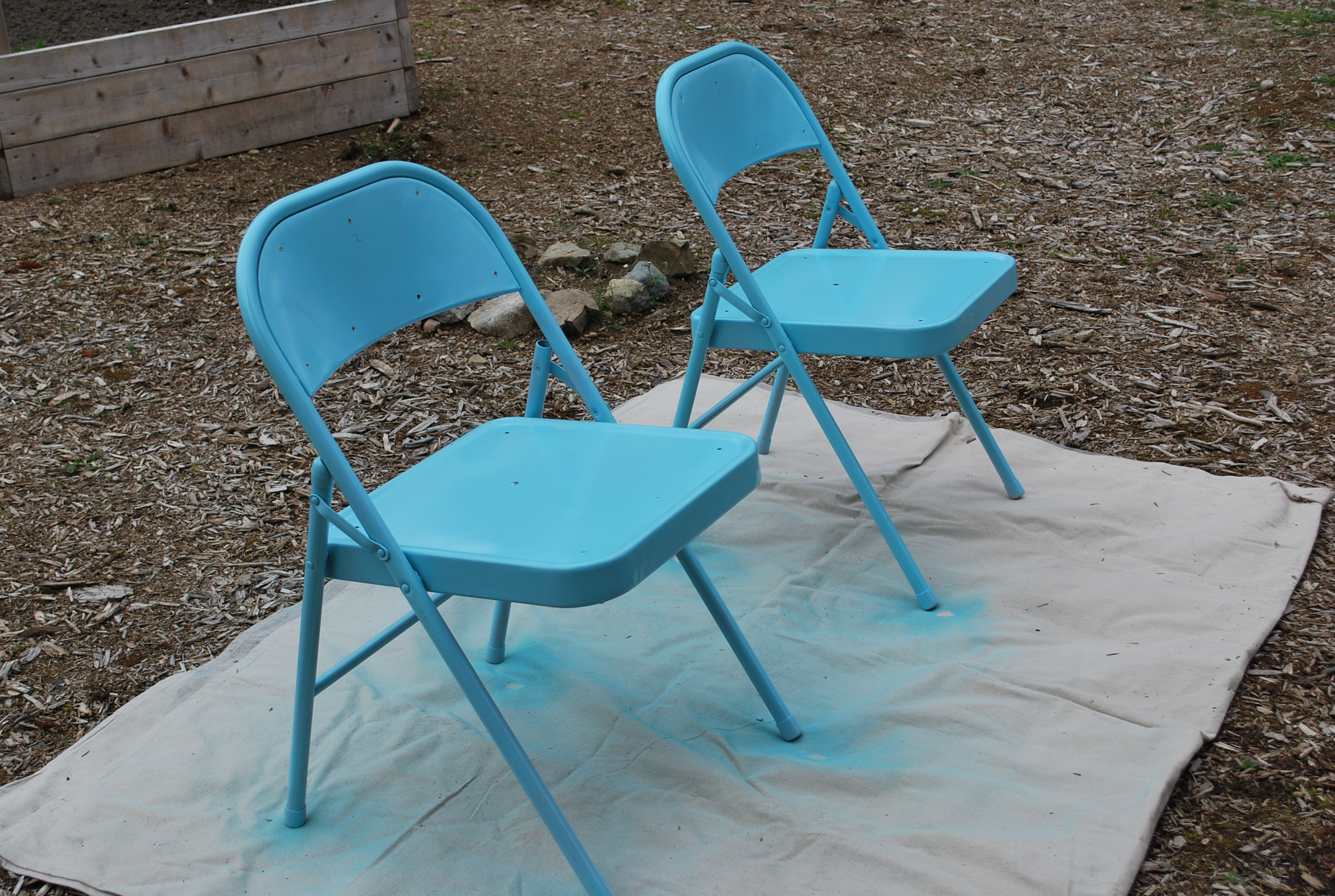 blue metal folding chairs rocking chair plans makeover a gathering place dsc 0023