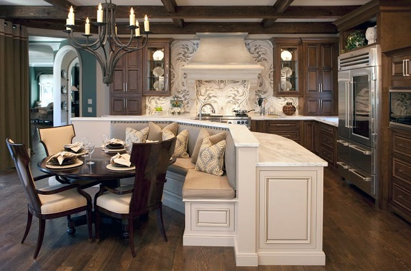 traditional-kitchen-corner-table-and-built-in-bench