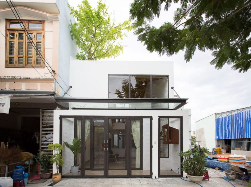 Minimalist House 85 Design: This Minimalist House Simply Oozes Charm & Comfort With A