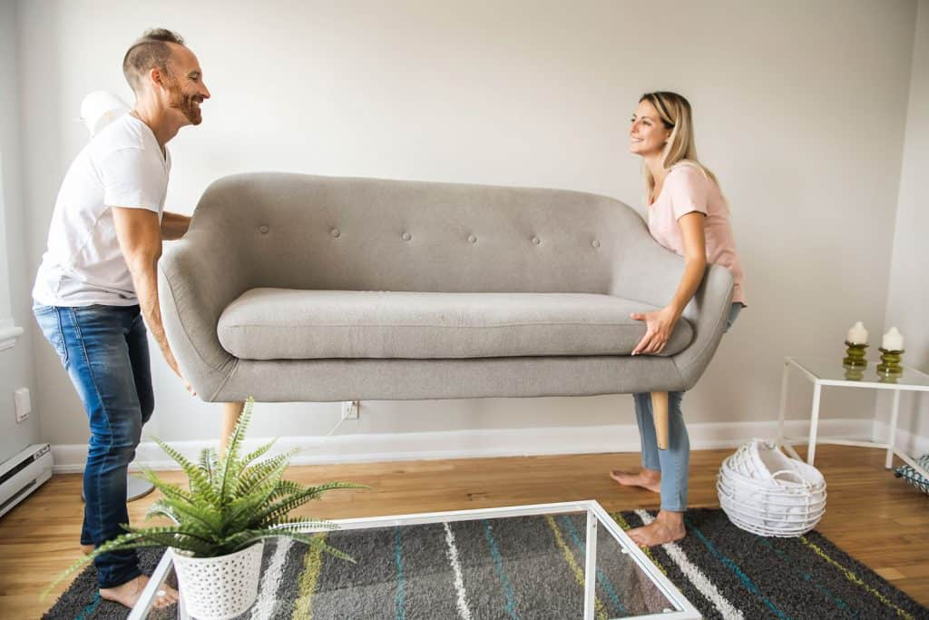 how much does a couch weigh by type