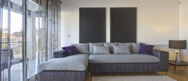 Contemporary living room alt