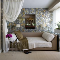 Daybed In Living Room Ideas Small Tables Choose The Perfect To Rest On Bedrooms With Day Beds