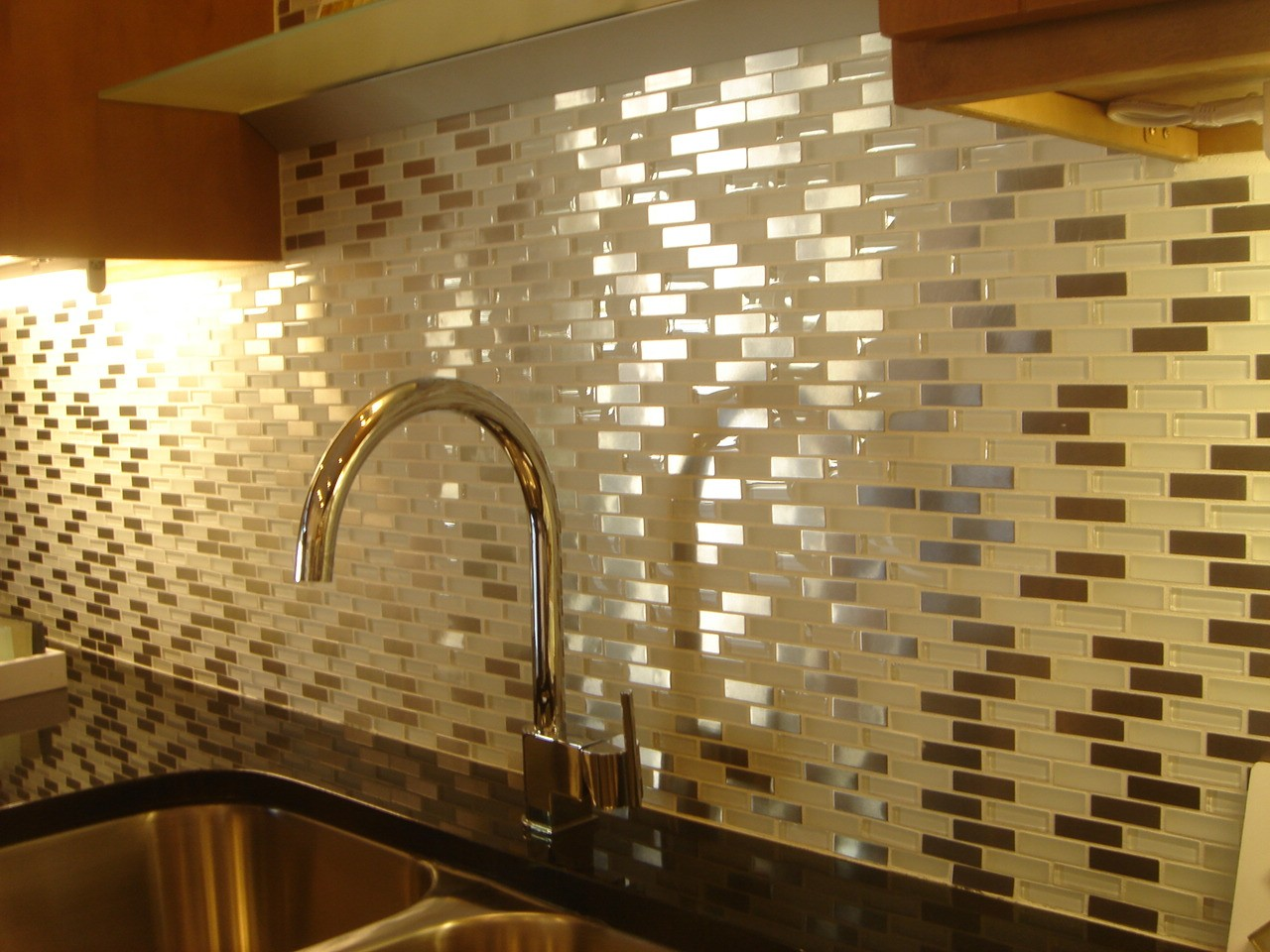 wall tiles for kitchen different kinds of countertops ideas with images