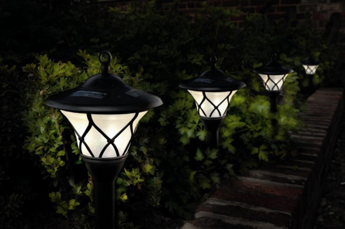 solar garden lights modern
