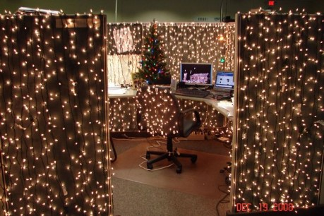Easy DIY Office Christmas Decoration Ideas 33