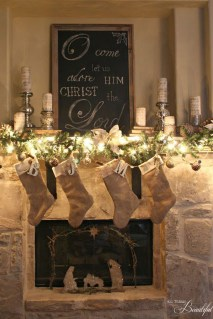 Inspiring Rustic Christmas Fireplace Ideas To Makes Your Home Warmer 03