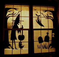Scary But Creative DIY Halloween Window Decorations Ideas You Should Try 07