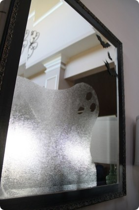 Scary But Creative DIY Halloween Window Decorations Ideas You Should Try 26