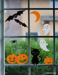 Scary But Creative DIY Halloween Window Decorations Ideas You Should Try 30