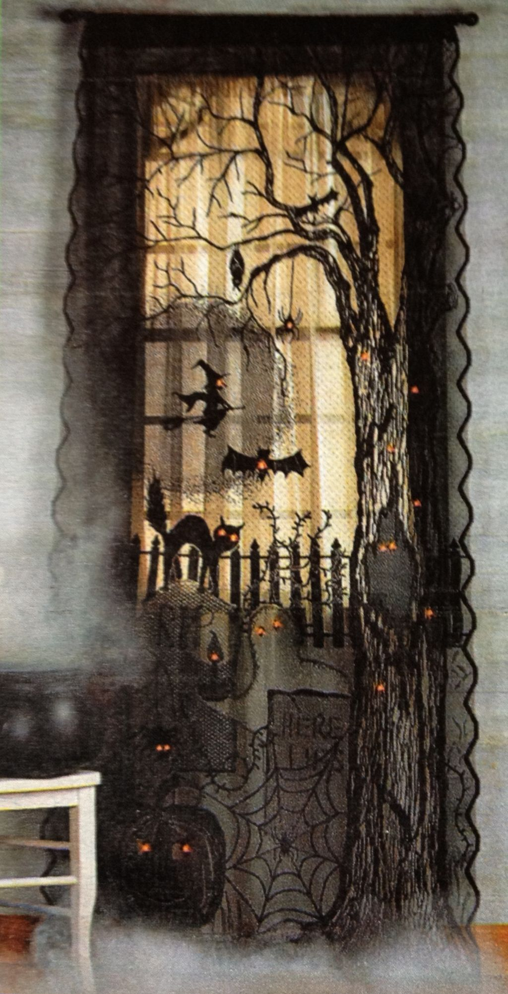 Scary But Creative DIY Halloween Window Decorations Ideas You Should Try 54