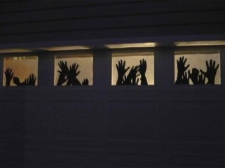 Scary But Creative DIY Halloween Window Decorations Ideas You Should Try 55