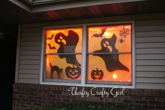 Scary But Creative DIY Halloween Window Decorations Ideas You Should Try 67