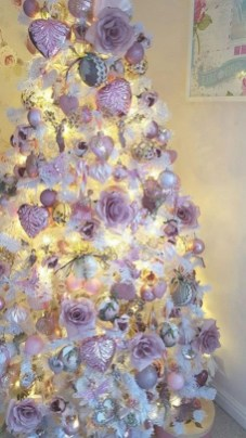 Adorable Pink And Purple Christmas Decoration Ideas 13