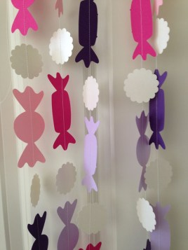 Adorable Pink And Purple Christmas Decoration Ideas 24