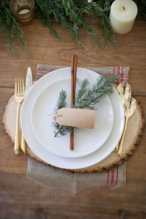 Adorable Rustic Christmas Kitchen Decoration Ideas 19