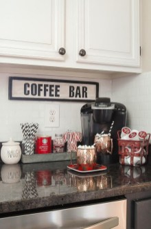 Adorable Rustic Christmas Kitchen Decoration Ideas 31