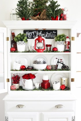 Adorable Rustic Christmas Kitchen Decoration Ideas 35