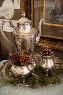 Adorable Rustic Christmas Kitchen Decoration Ideas 46