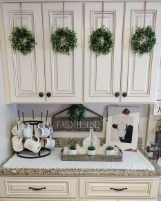 Adorable Rustic Christmas Kitchen Decoration Ideas 74