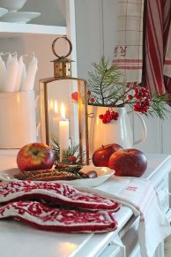 Adorable Rustic Christmas Kitchen Decoration Ideas 77