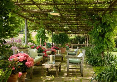 Cozy And Relaxing Country Garden Decoration Ideas You Will Totally Love 20