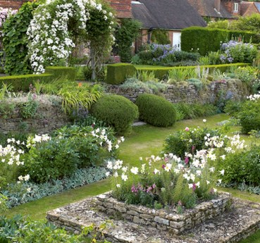 Cozy And Relaxing Country Garden Decoration Ideas You Will Totally Love 66