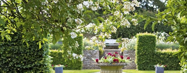 Cozy And Relaxing Country Garden Decoration Ideas You Will Totally Love 76