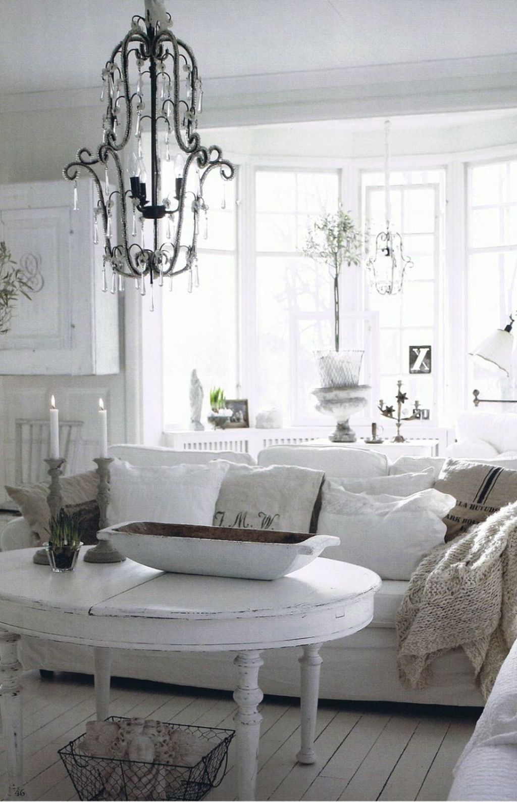 Creative DIY Shabby Chic Decoration Ideas For Your Living Room 09