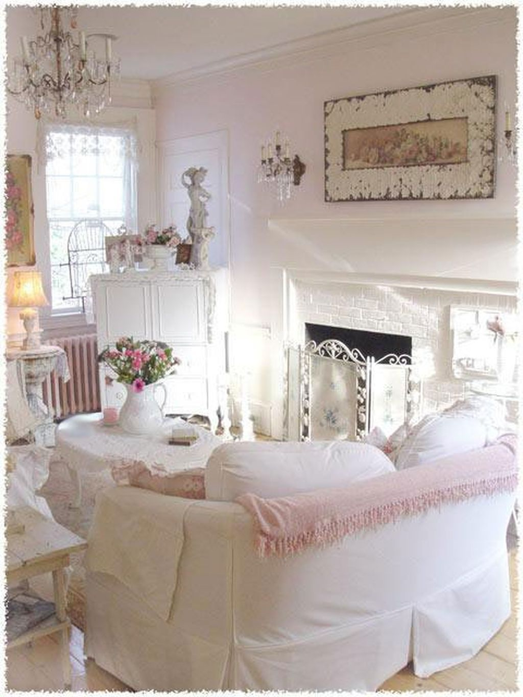 Creative DIY Shabby Chic Decoration Ideas For Your Living Room 35