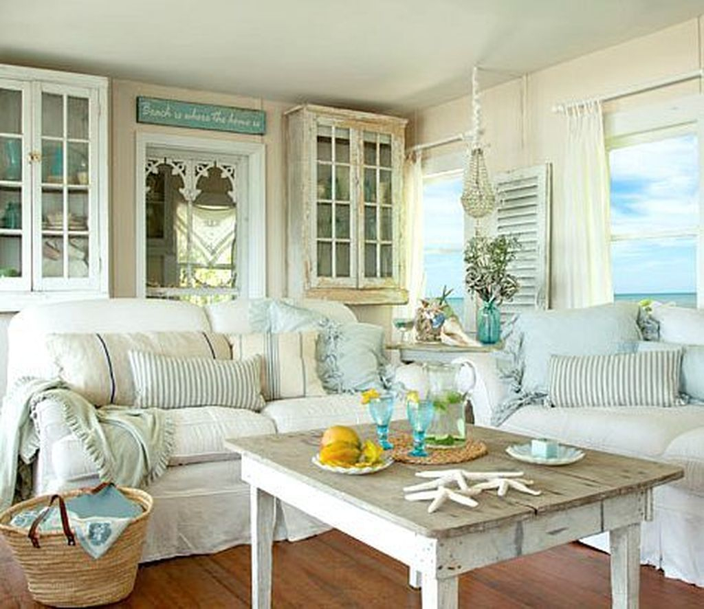 Creative DIY Shabby Chic Decoration Ideas For Your Living Room 44