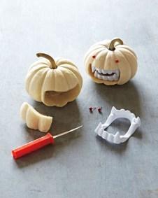 Creepy But Creative DIY Halloween Outdoor Decoration Ideas 10
