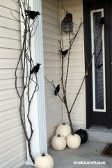 Creepy But Creative DIY Halloween Outdoor Decoration Ideas 24