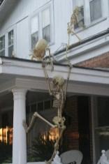 Creepy But Creative DIY Halloween Outdoor Decoration Ideas 41