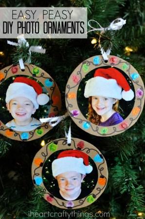 Easy And Creative DIY Photo Christmas Ornaments Ideas 18
