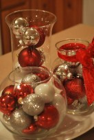 Easy And Simple Christmas Table Centerpieces Ideas For Your Dining Room 22