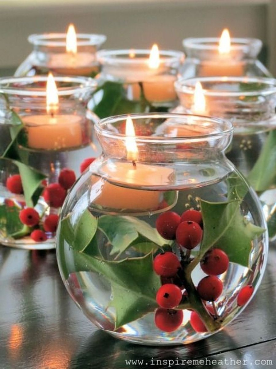 Easy And Simple Christmas Table Centerpieces Ideas For Your Dining Room 44