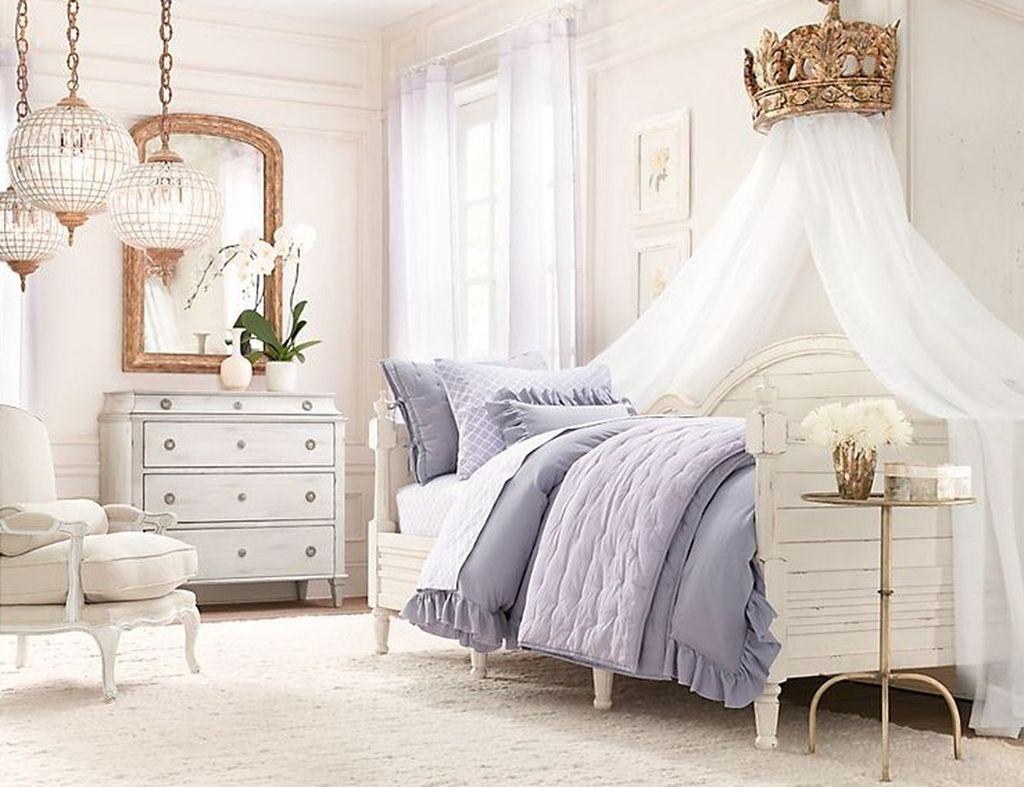 Elegant Teenage Girls Bedroom Decoration Ideas 21