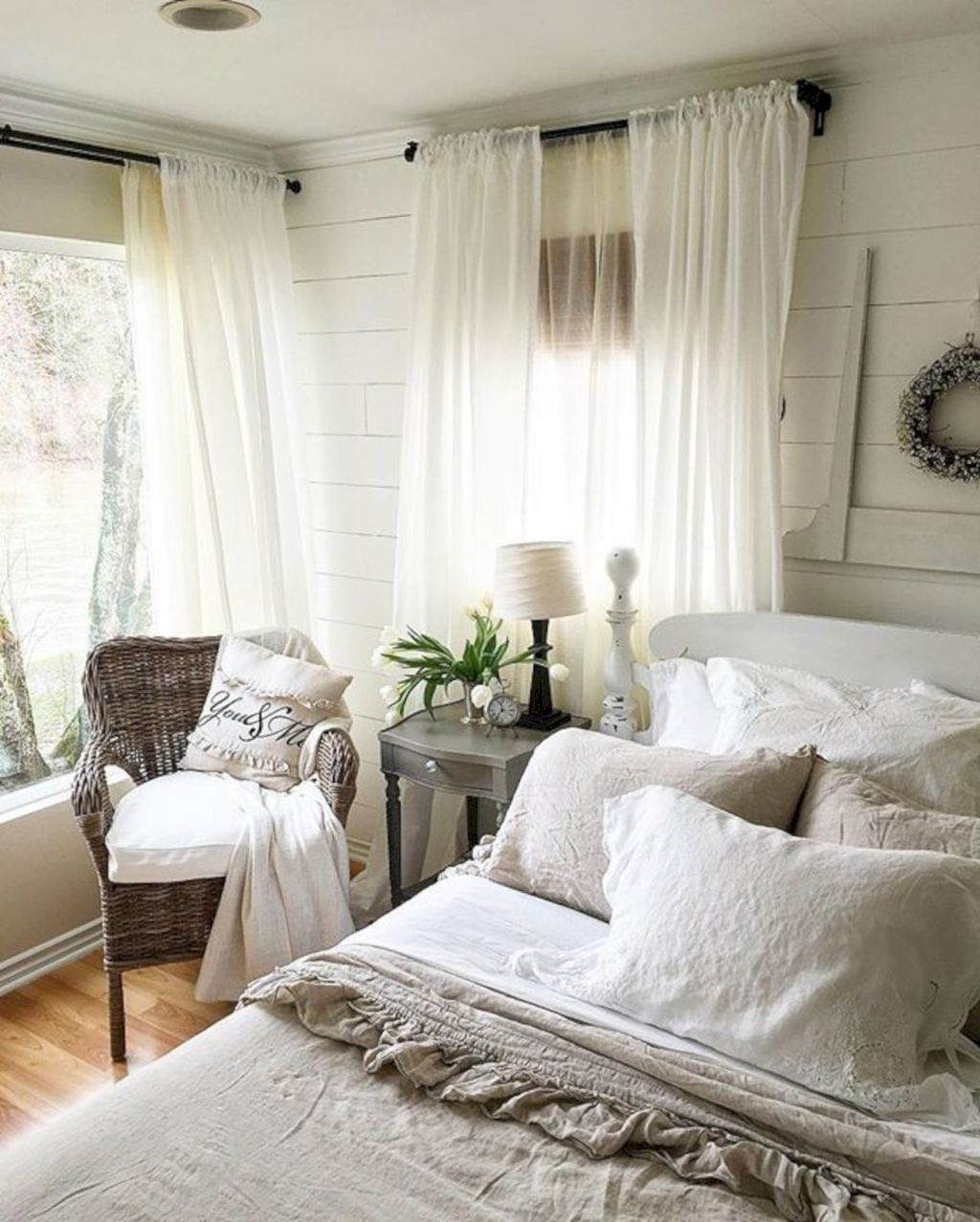 Gorgeous Vintage Master Bedroom Decoration Ideas 12