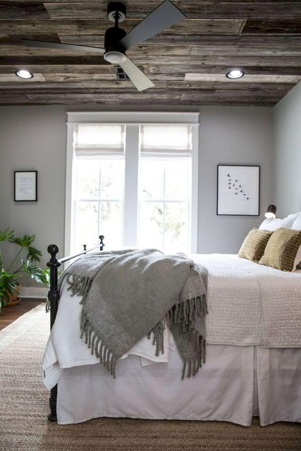 Gorgeous Vintage Master Bedroom Decoration Ideas 24