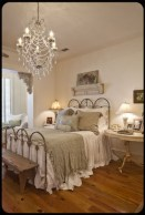 Gorgeous Vintage Master Bedroom Decoration Ideas 62