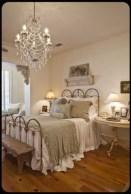 Gorgeous Vintage Master Bedroom Decoration Ideas 62