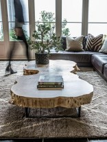 Incredible Industrial Farmhouse Coffee Table Ideas 24