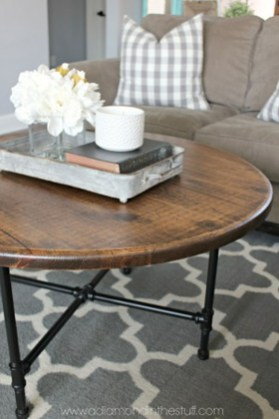 Incredible Industrial Farmhouse Coffee Table Ideas 26