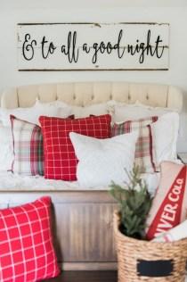 Incredible Rustic Farmhouse Christmas Decoration Ideas 03